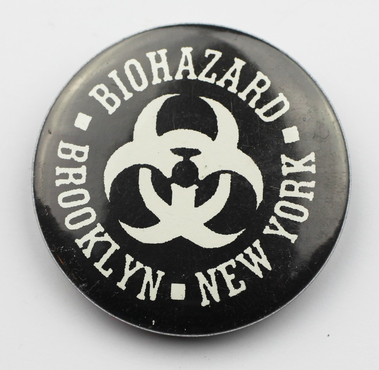 Pin Biohazard