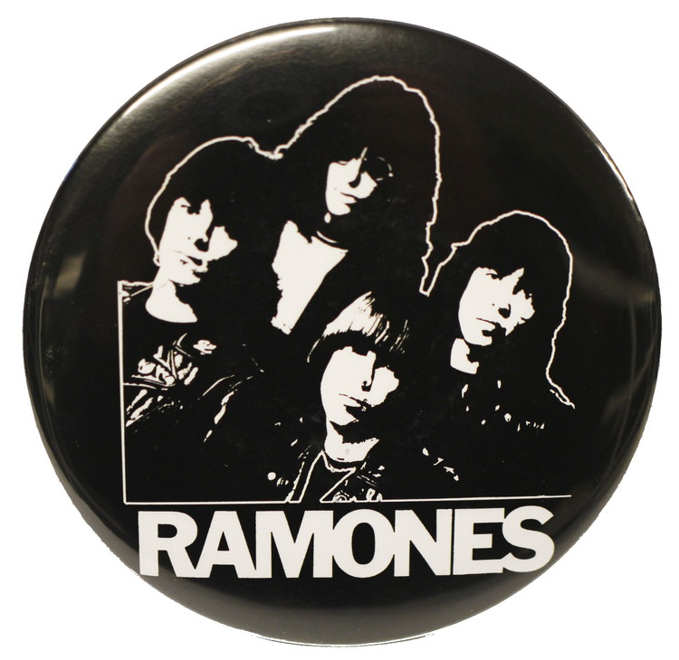 Ramones B/W XL badge