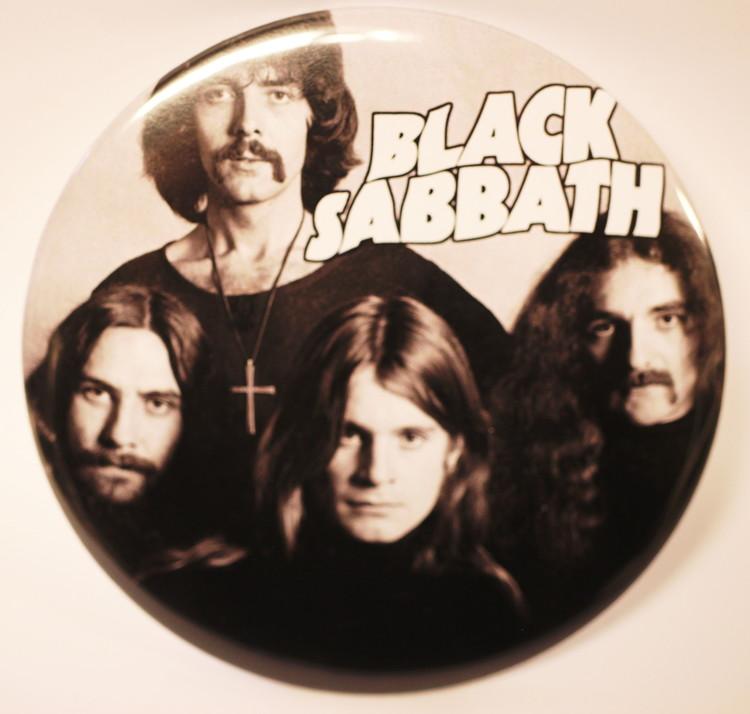 Black sabbath retropic XL badge