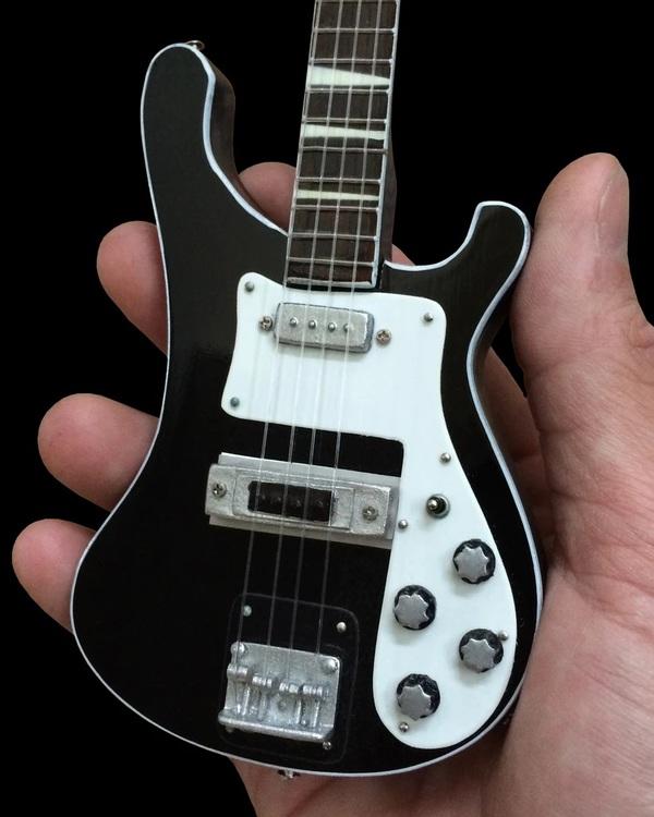 RickenbackerMiniature Bass Guitar Replica Collectible