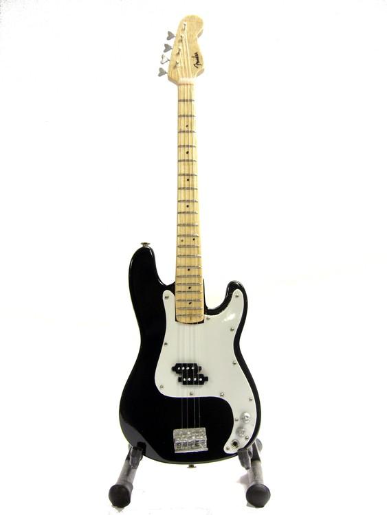 Fender Precision bass Black replika