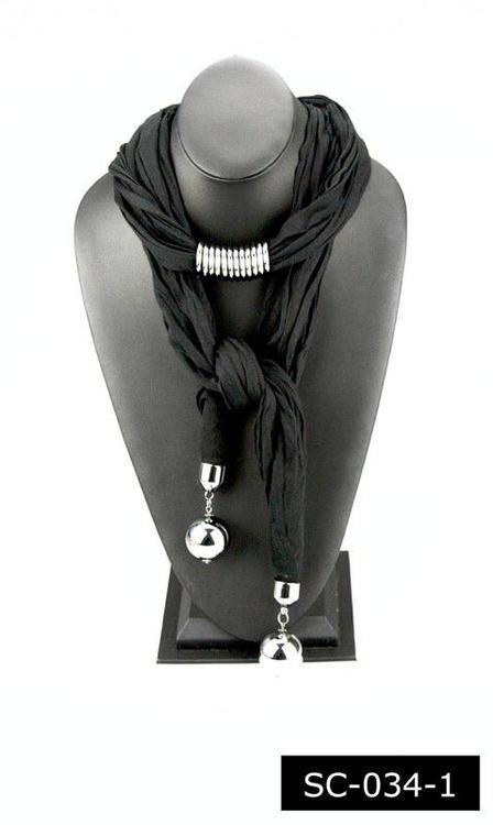 Häftig scarf svart