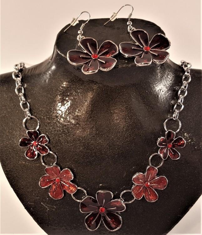 Set med halsband och örhänge i rött