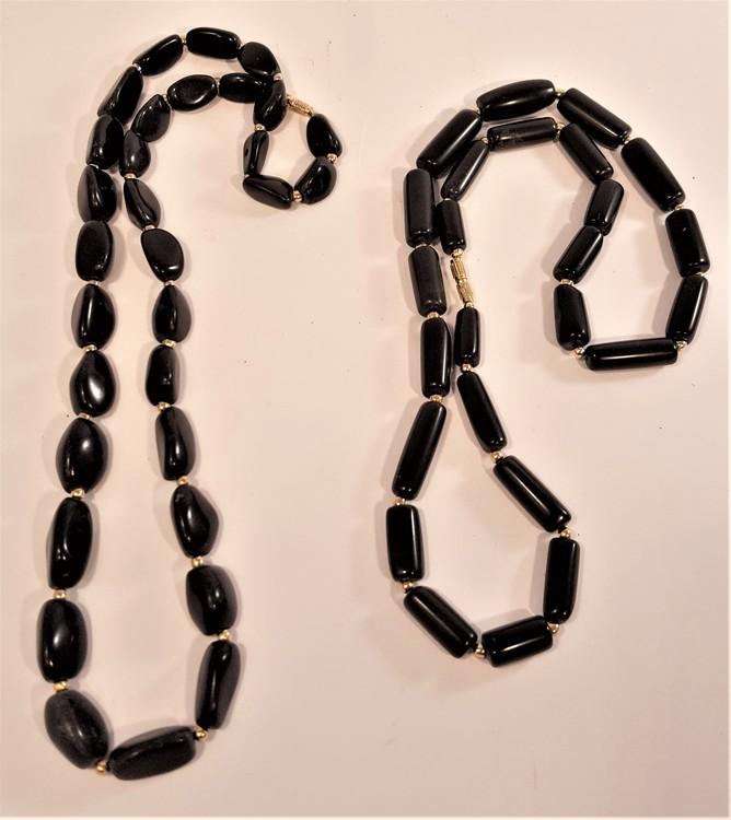 Halsband av svart Agat, avlånga runda stenar - 63 cm