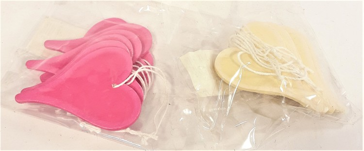 Söta hjärtan för dekoration, med snöre, 2 varianter