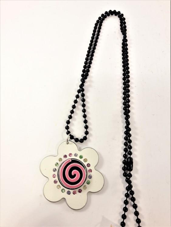 Halsband med vit blomma och strass