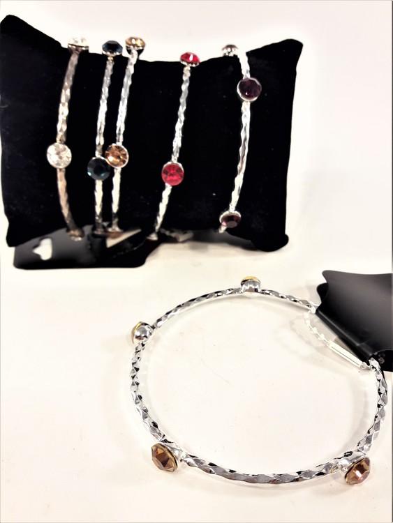 Stelt metall armband med färgade stenar 5 varianter