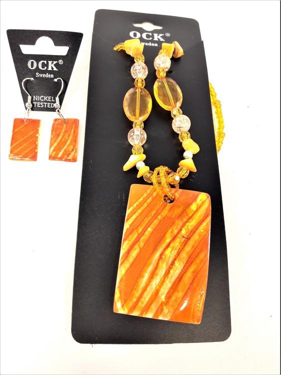 Halsband och örhänge med snäckskal, flera färger