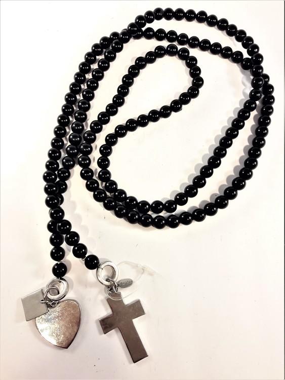 Öppet halsband med svarta pärlor och silverfärgade detaljer