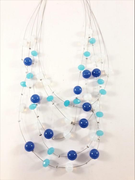 Flerradigt halsband med dekorationer i blått, turkos och vitt