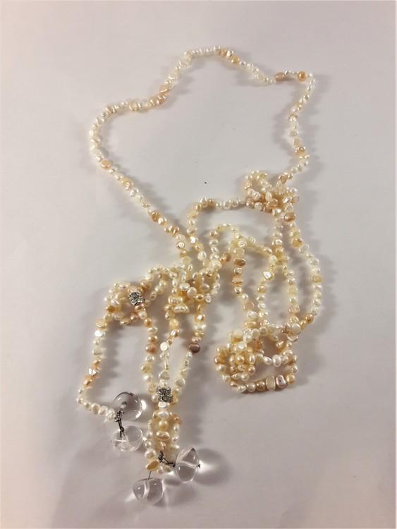Öppet halsband med små Pärlor i vitt och beiget
