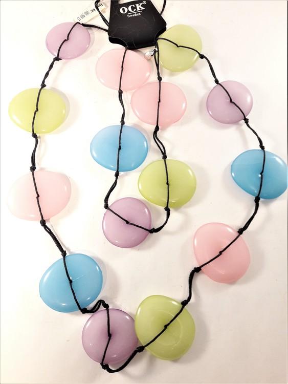 Långt halsband med stora rundlar i olika pastellfärger