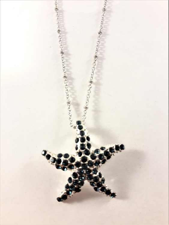 Halskedja med sjöstjärna som hänge med glittrande blå strass