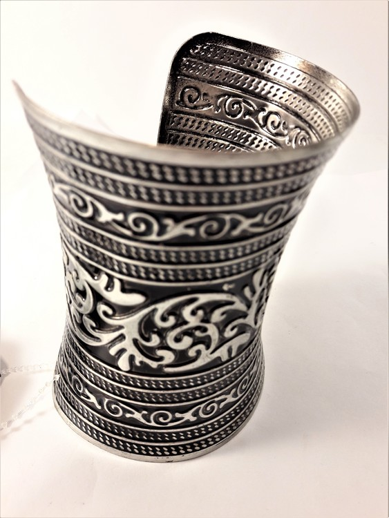 Stelt Brett Armband med Mönster Silverfärg