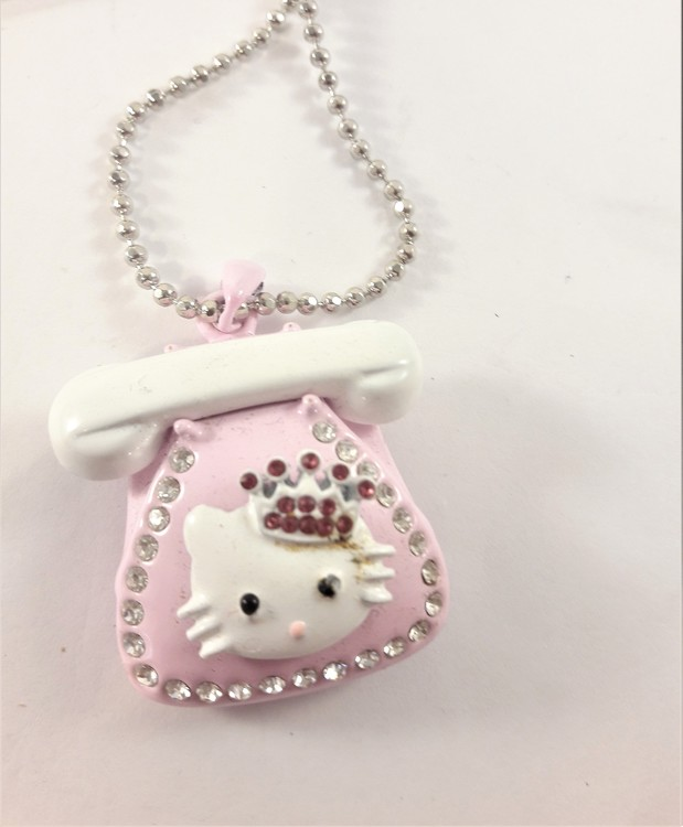 Halskedja med Hello Kitty och rosa telefon