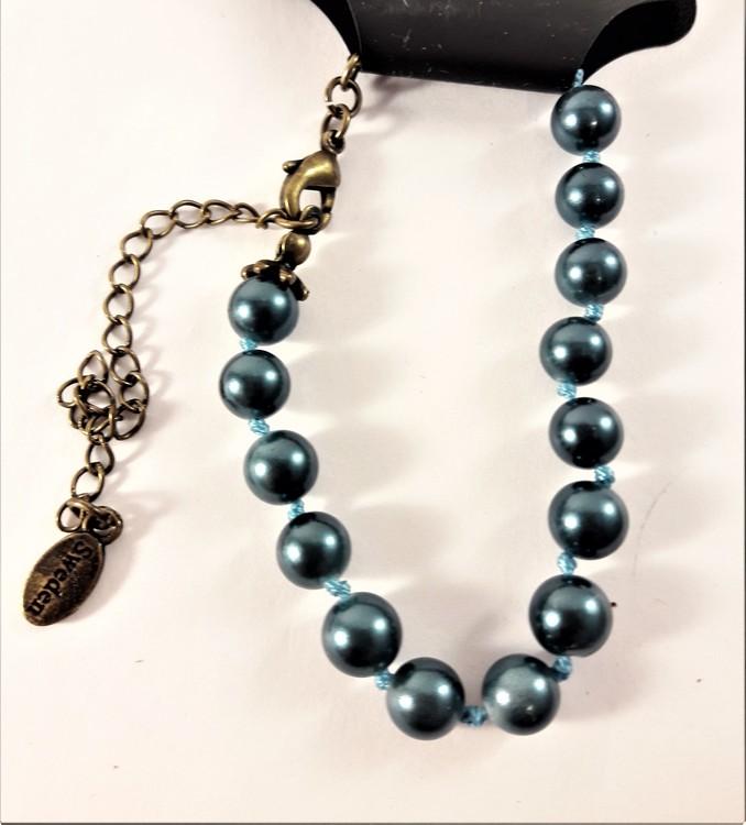 Armband med Blå Pärlor och Guldfärgad Kedja