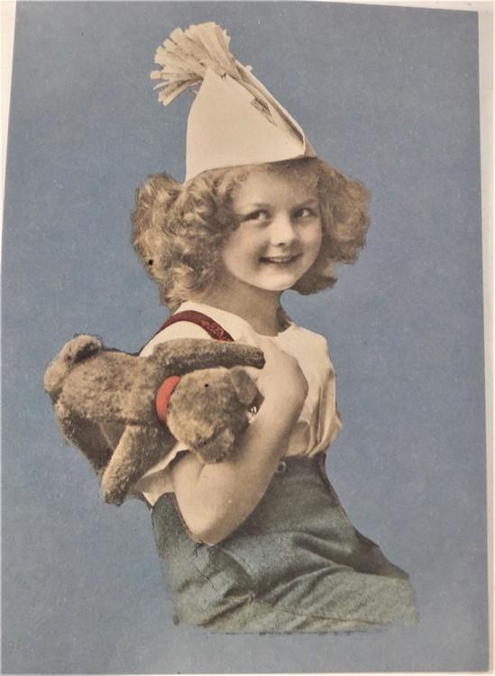 Kort/vykort med gammaldags motiv med flicka