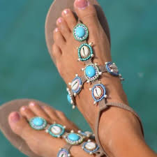 Hot Lava, sandaler, blå dekorationer