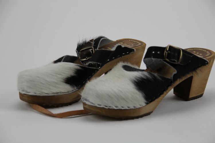 Träskor, vit/svarthåriga, stl 36