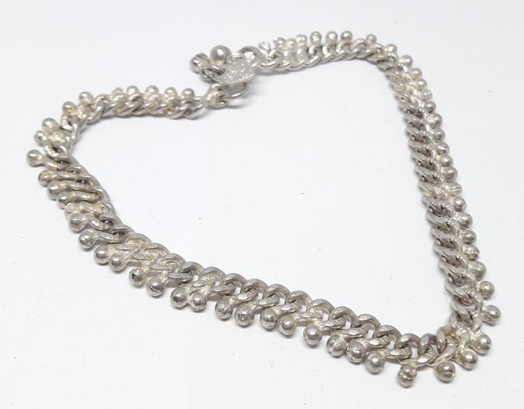 Armband i metall, kedjeliknande