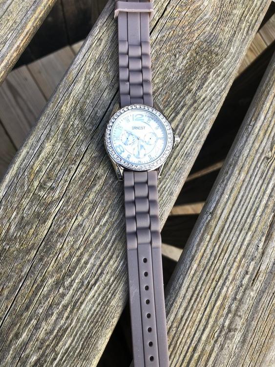 klocka med blingbling grå