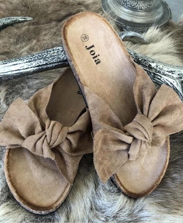 Sandal med roset