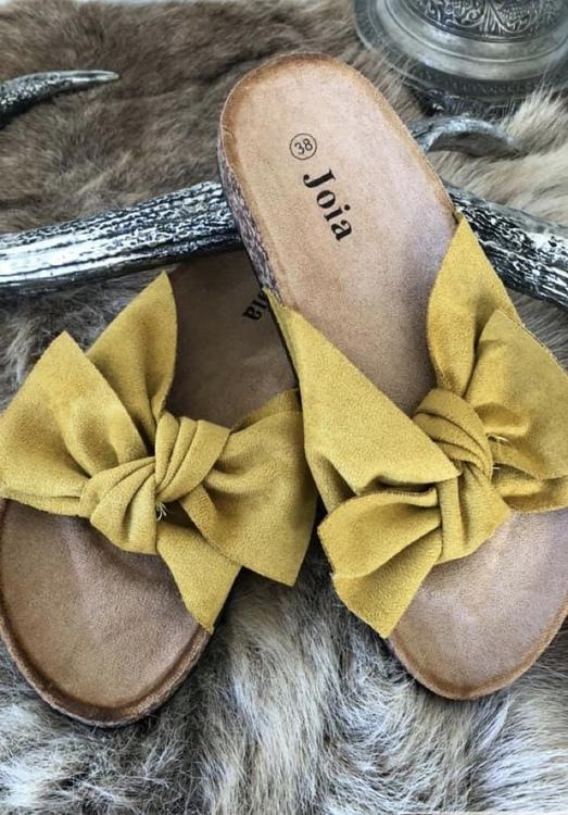 Sandal med roset i curry