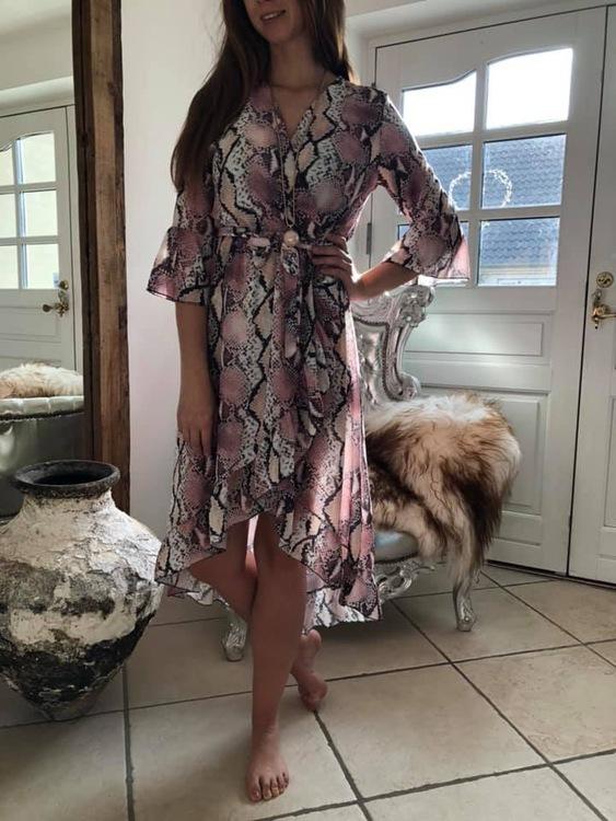 Rosa snake klänning