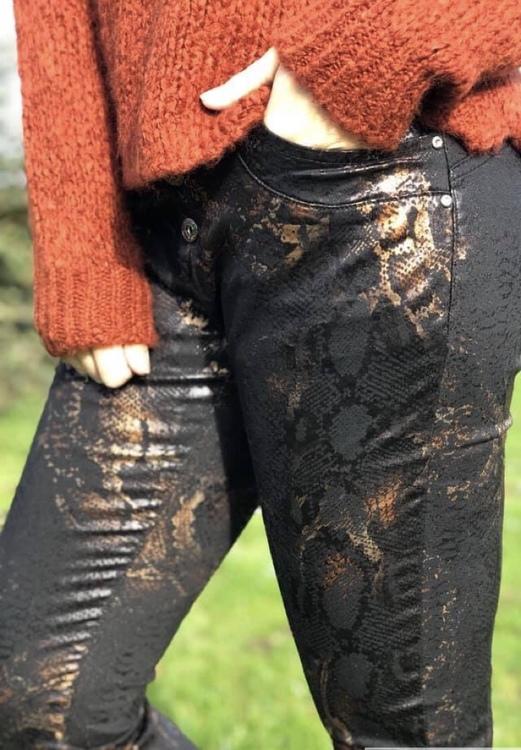 Jeans Svart / orange snake