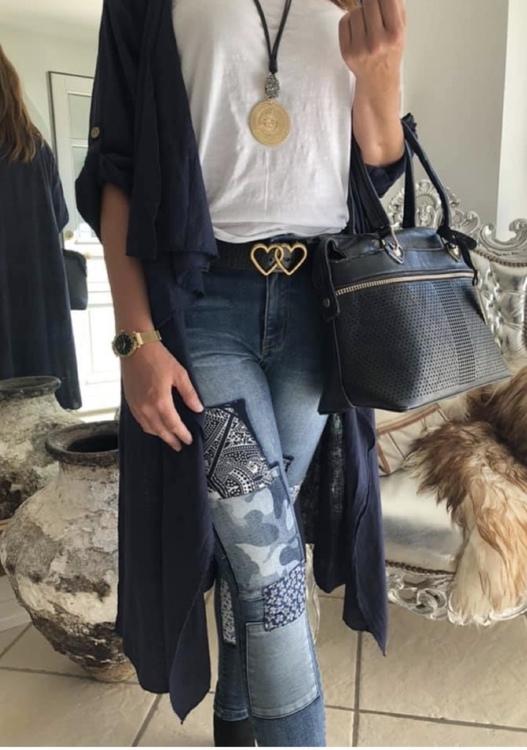 Jeans med mönstrade lappar
