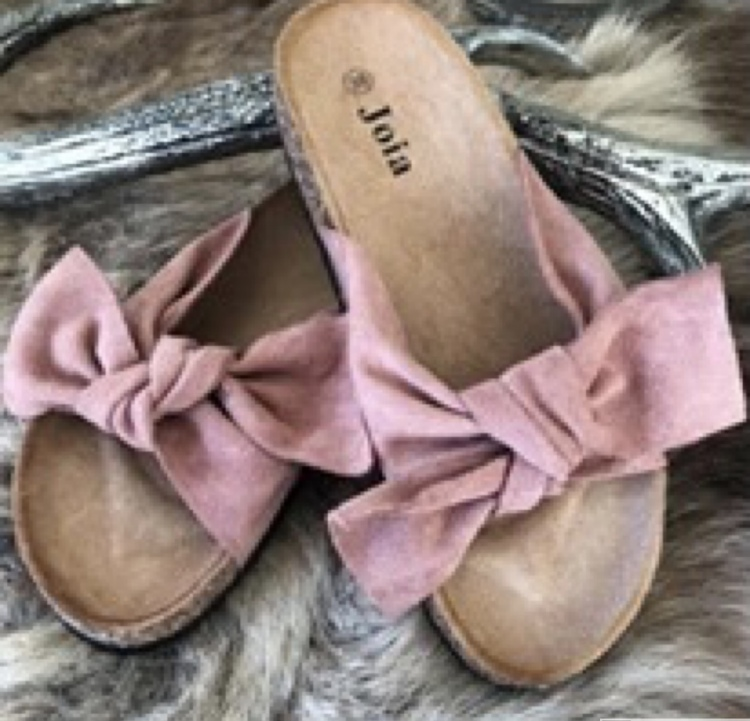 Sandal med roset i Rosa