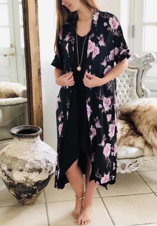 Kimono blommig kort arm svart
