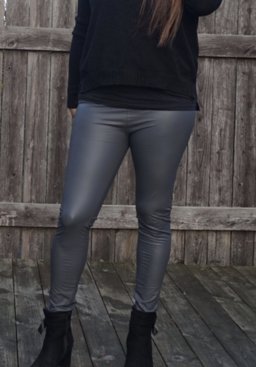 Mörk Grå Lackleggings  i Plussize