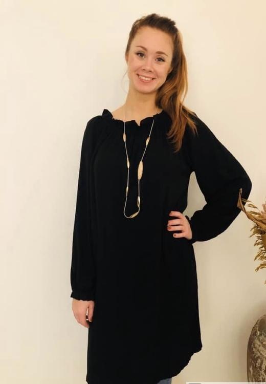 Svart kläning i Viskos