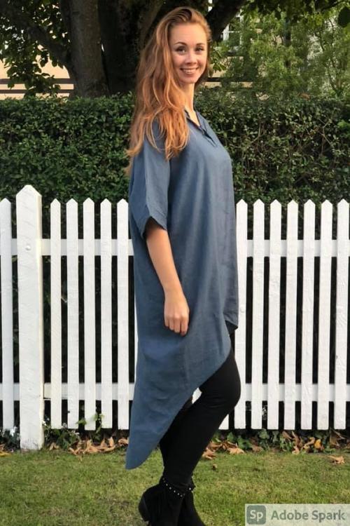 Blå linne tunika