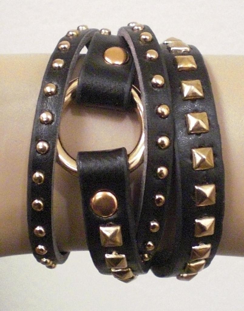 "Armband i läderimitation med nitar Brunt/""Guld"""
