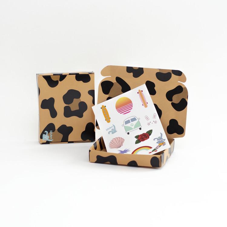 LEO LOVE + stickers