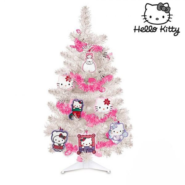 hello-kitty-julgran-med-dekorationer