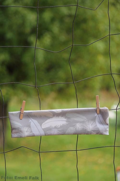 Pannband, fjädrar