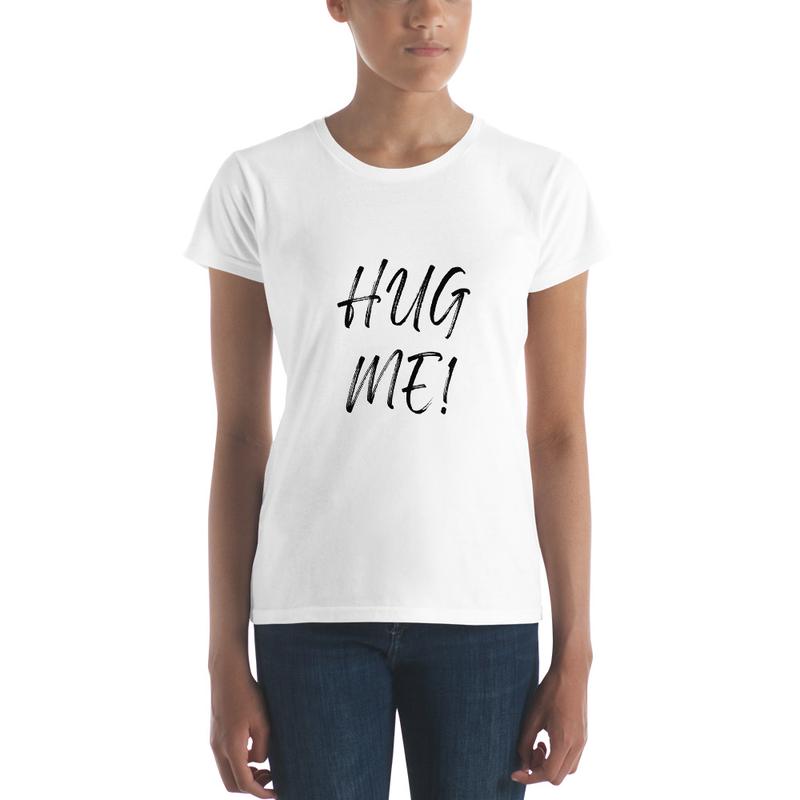 HUG ME! LORA T SHIRT