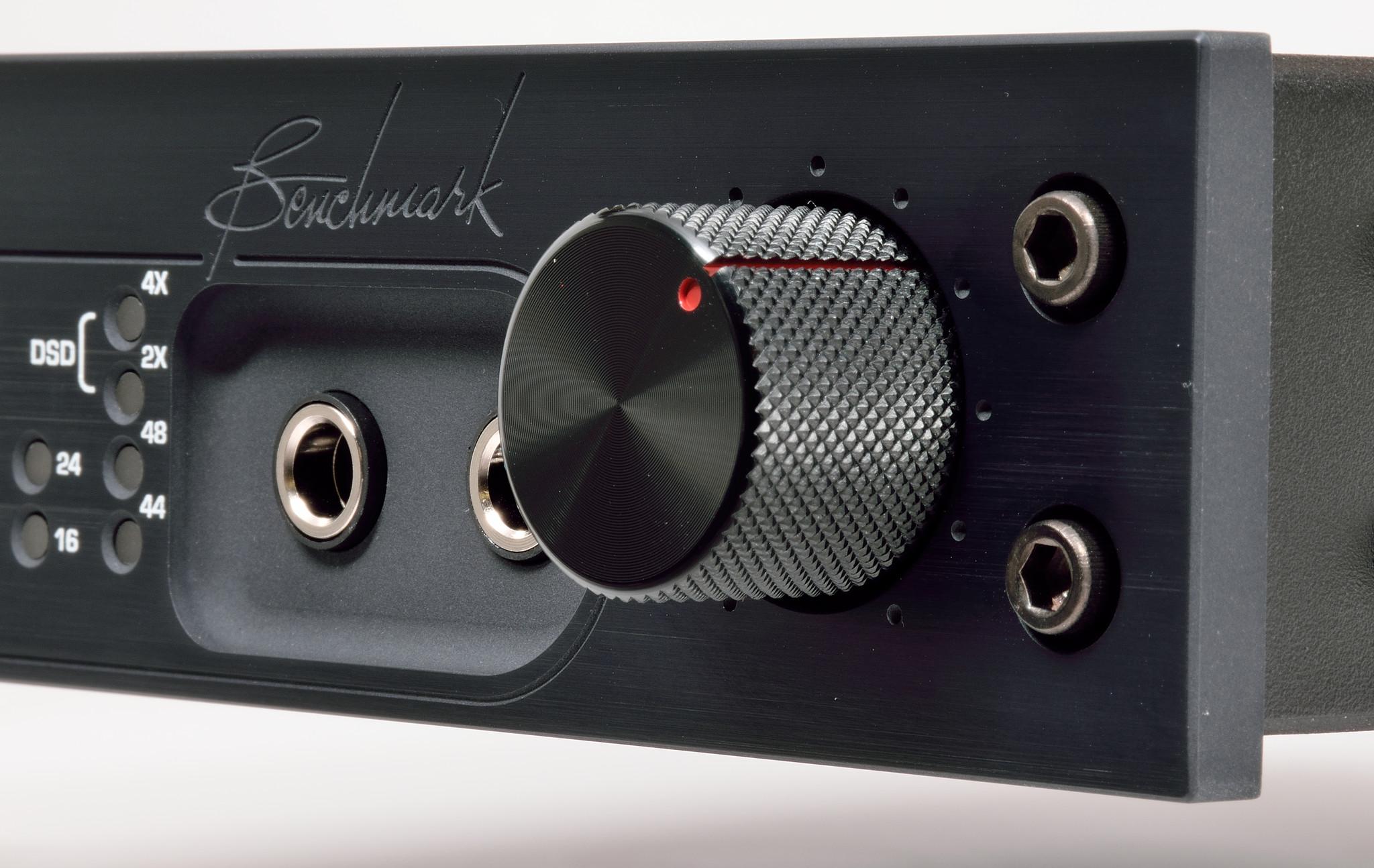 Benchmark DAC2 DX