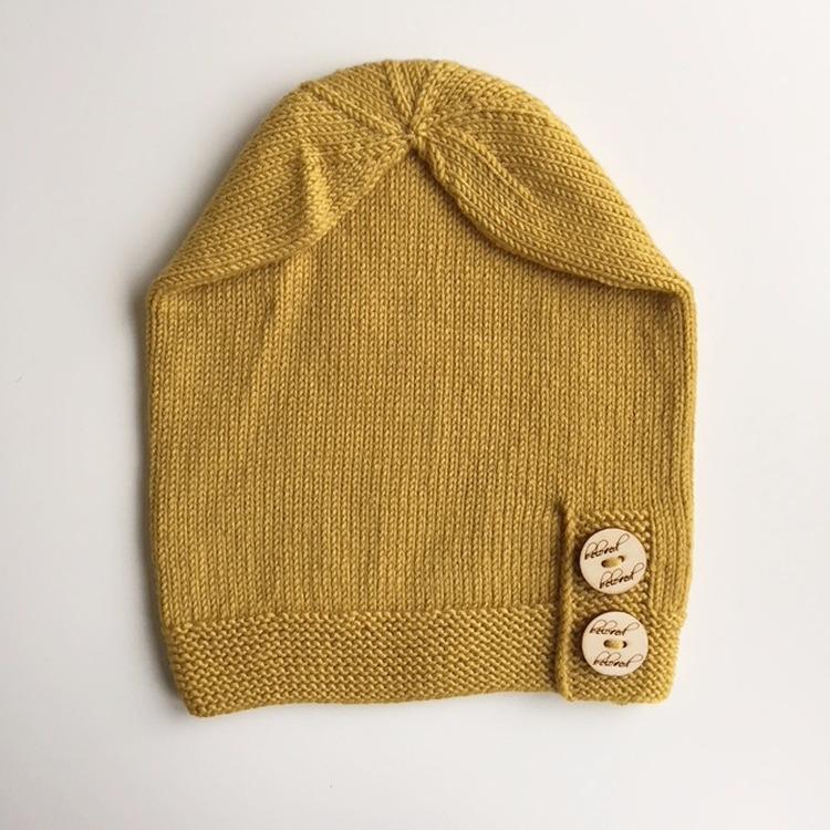 Slouchy Beanie, Merino wool. Mustard yellow.