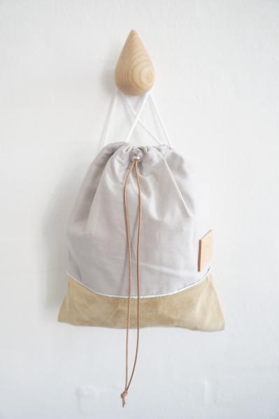 Light grey ergonomic bag, big