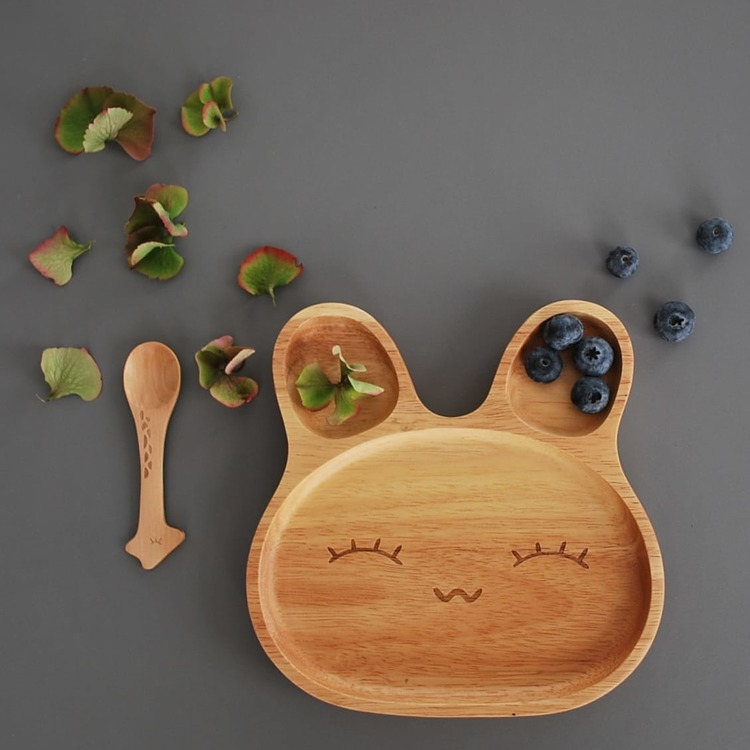 Wooden bunnyplate, Leo & Fred