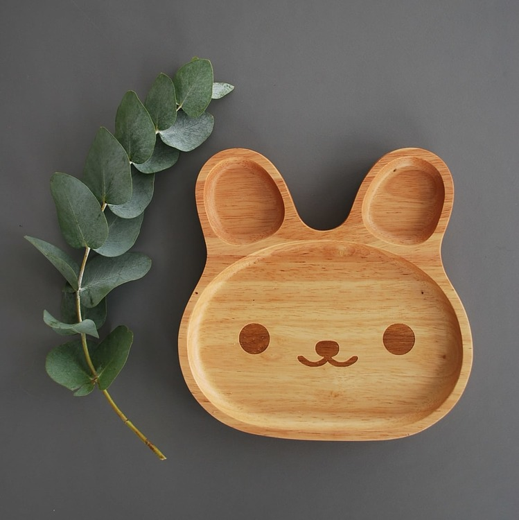 Wooden bearplate, Leo & Fred