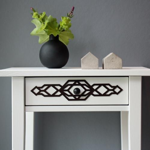 Stina – möbeldekor till avlastningsbordet Hemnes (beställningsvara)