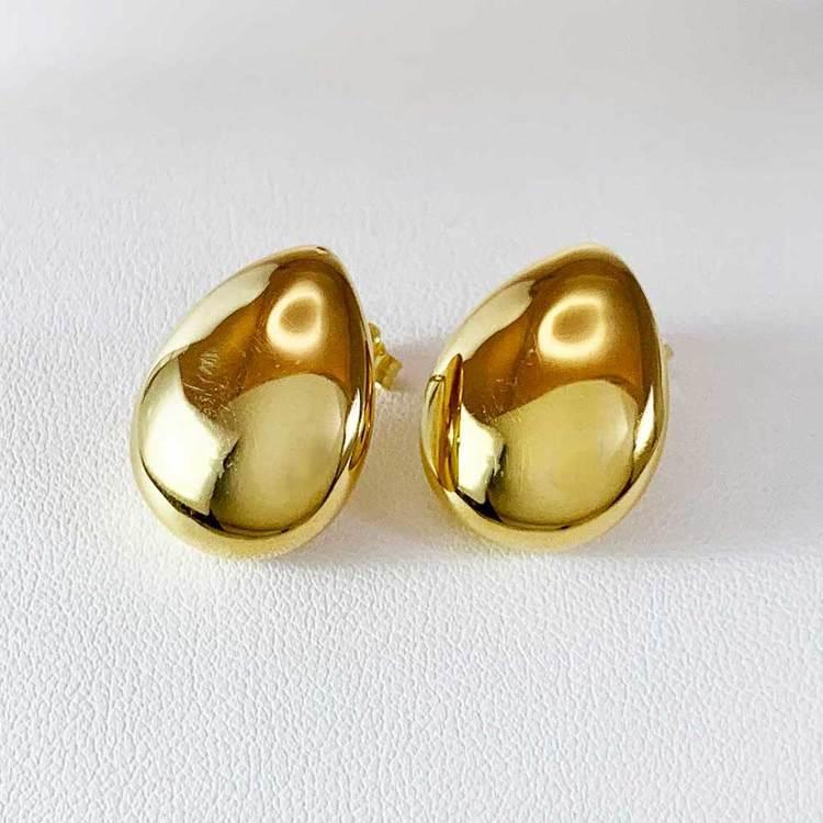 Coola och trendiga guldörhängen DROP från Catwalk Jewellery