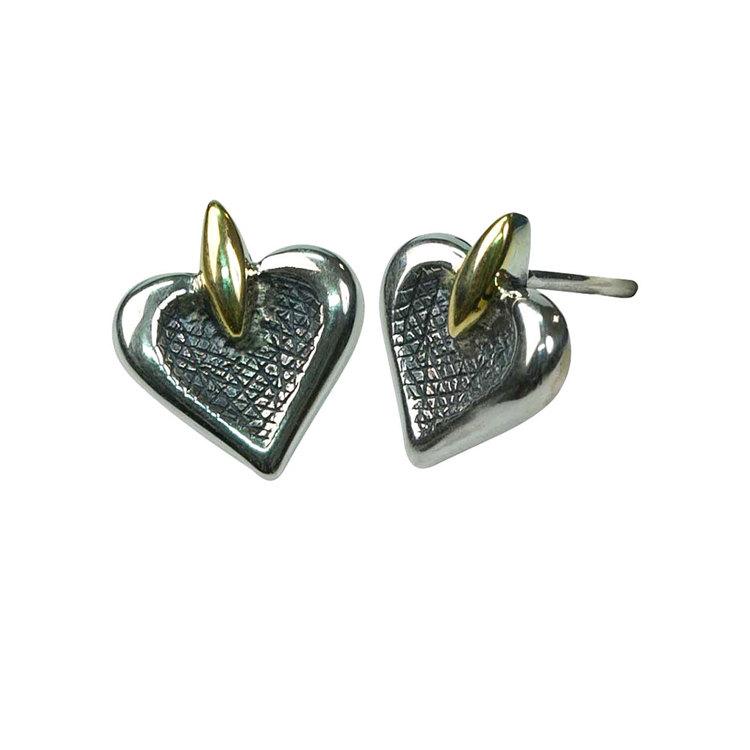 Örhängen [HEART] i oxiderat silver med 9 karats gulddetaljer