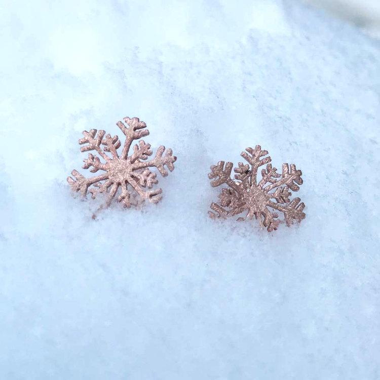 Fasta örhängen [SNOWFLAKE] i 925 sterlingsilver - Pink Gold & Brushed