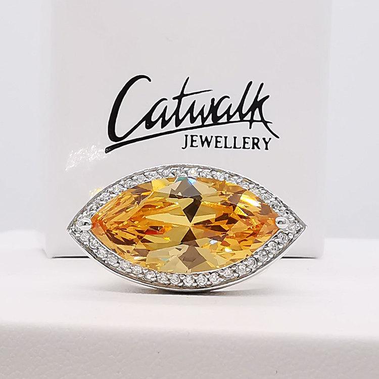 snygg ring CHAMPAGNE från Catwalk Jewellery